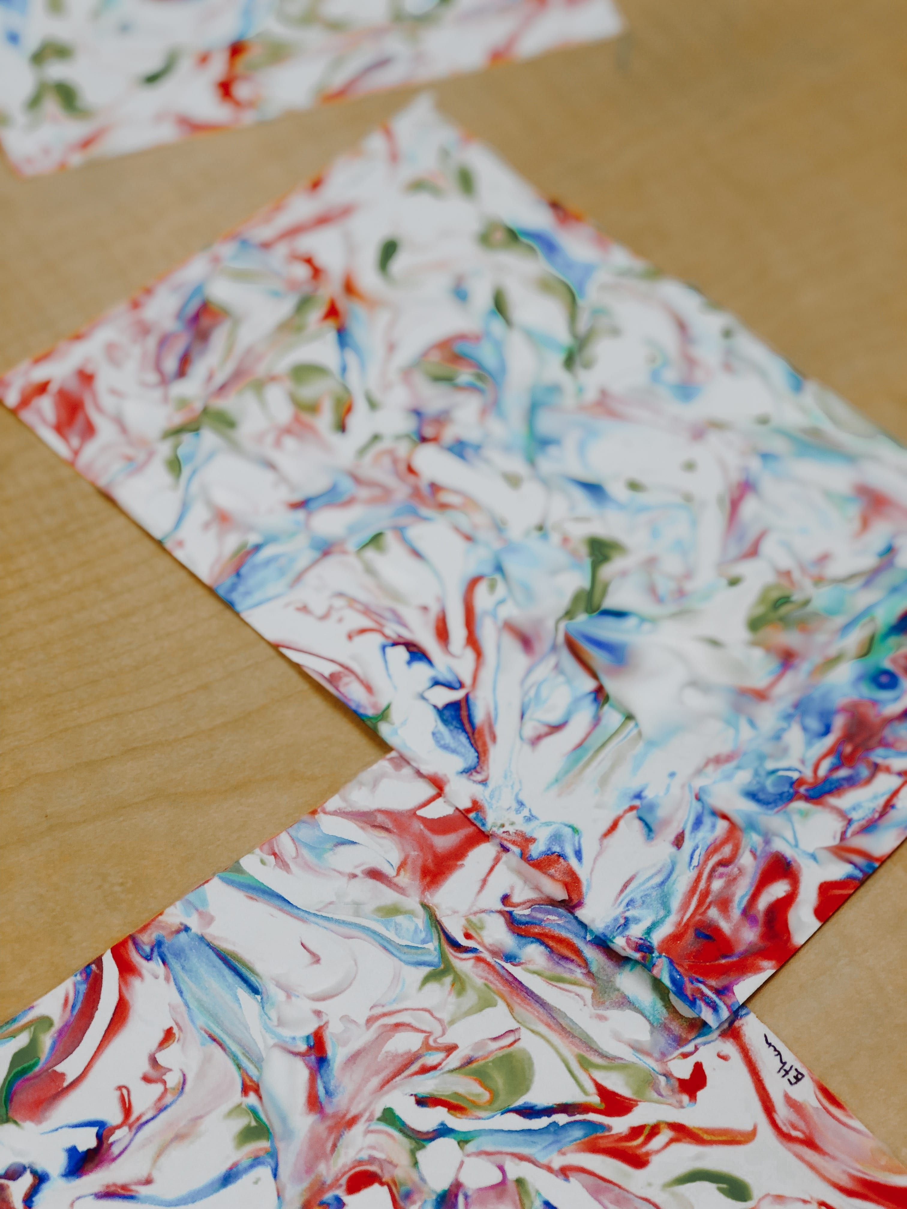 Shaving Cream Marble Painting! Image number 17